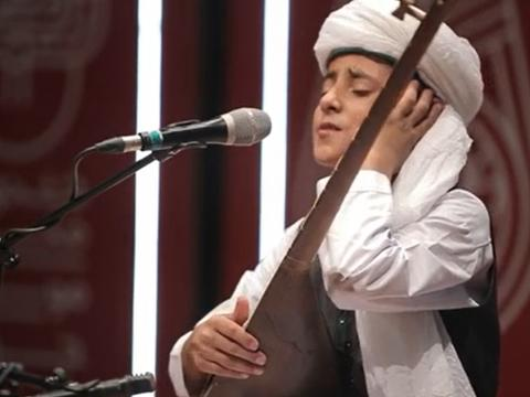 مبین درپور و آواز برای سلامتی استاد محمدرضا شجریان