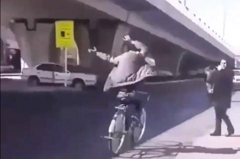 دوچرخه سوار باحال اصفهانی